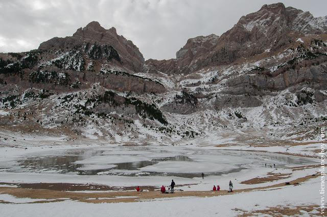 Ibon de Piedrafita lago glaciar senderismo ruta