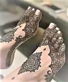 arabic mehndi design on leg for bride