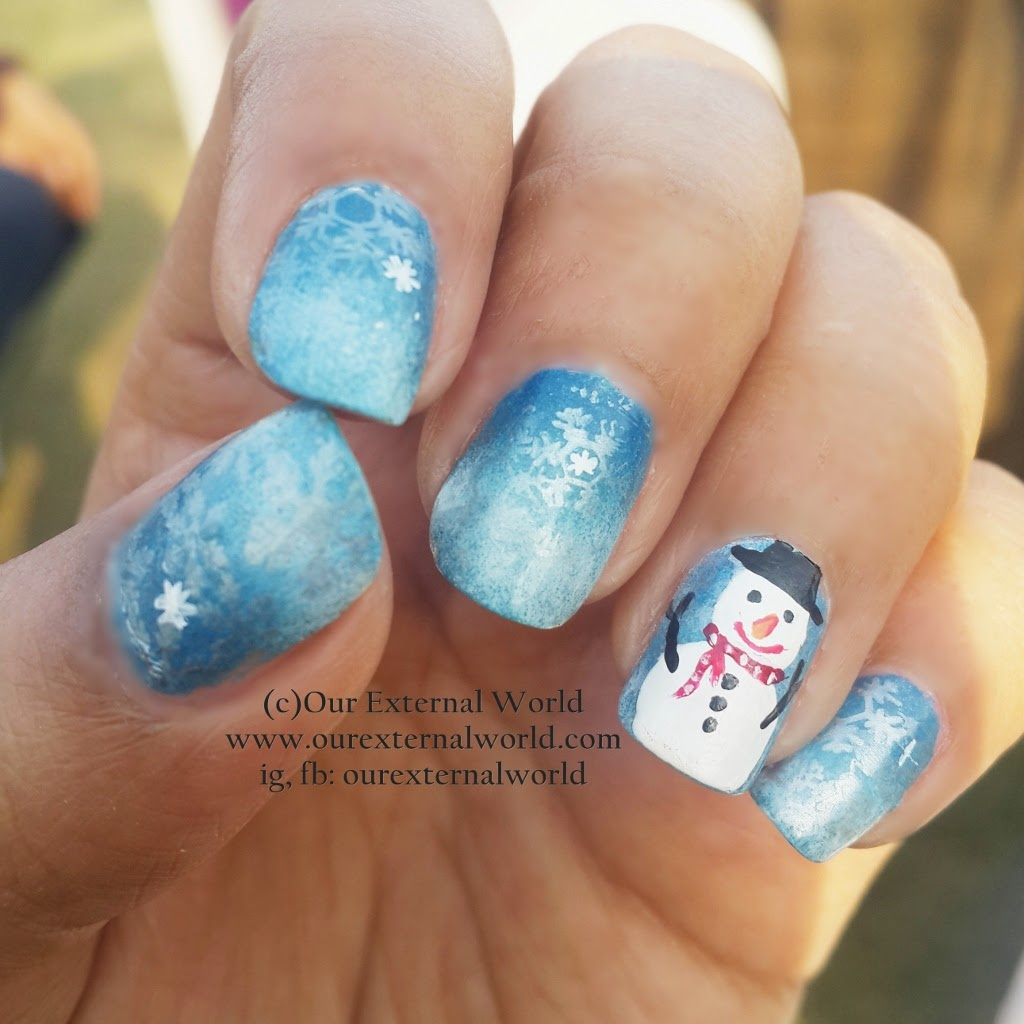 Winter Nail Art Tutorial - How To Make A Snowman, STNChallenges, sponging, snowflakes, stamping