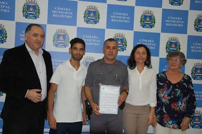 COMANDANTE RECEBE MOÇÃO DE APLAUSOS DA CÂMARA MUNICIPAL DE REGISTRO-SP