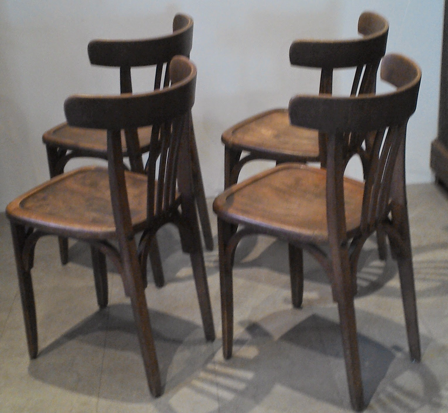 4 anciennes chaises bistrot bar style thonnet ou baumann loft atelier. Black Bedroom Furniture Sets. Home Design Ideas