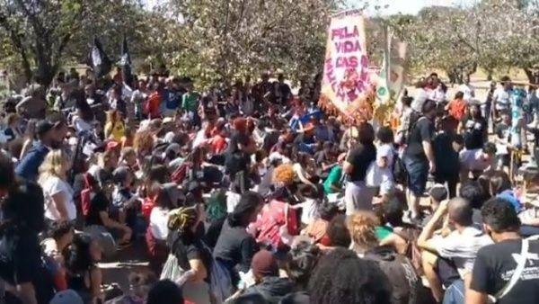 Más de 10 mil estudiantes debatirán sobre consecuencias de políticas de Bolsonaro en Brasil