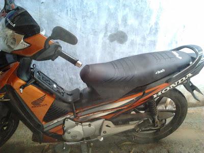 http://hendrasuhendra176.blogspot.com/2014/05/tips-mudik-naik-motor.html