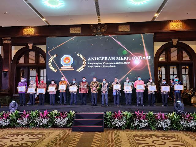 Berhasil Terapkan Sistem Merit, Bupati ASA Terima Penghargaan dari KASN