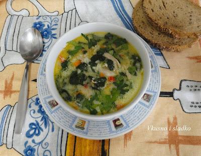 Пилешка супа със спанак