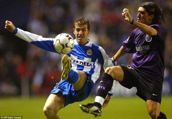 Ngã ngửa bóng đá Tây Ban Nha: 12 ca nhiễm Covid-19 trong 1 trận đấu 3