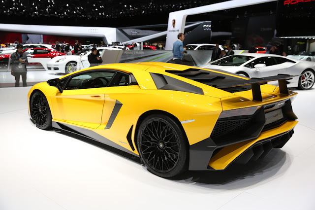 Exclusive Lamborghini Aventador LP 750-4 Superveloce