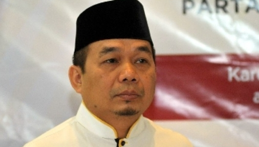 PKS Protes Penghapusan Label Halal Produk Impor