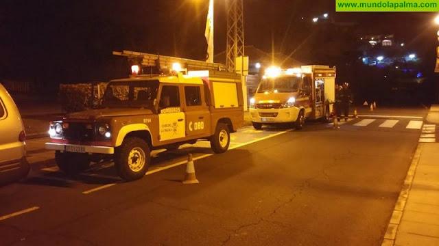 Los Bomberos sofocan un incendio de un apartamento en Los Cancajos