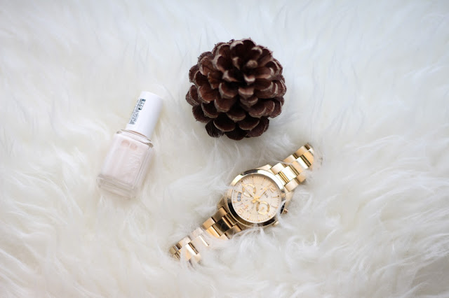 essie tuck it in my tux fossil perfect boyfriend watch