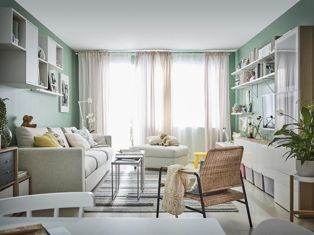 Nuevo catálogo IKEA 2020  salón pintado de verde