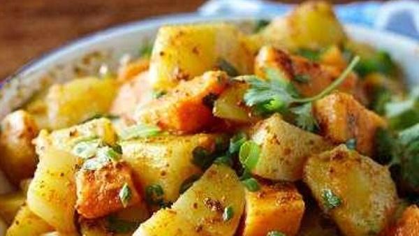 طريقة عمل البطاطس بالكاري