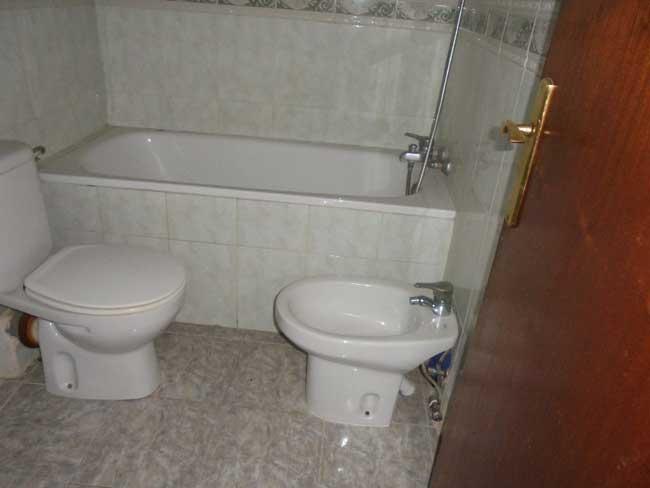 piso en venta calle montornes castellon wc