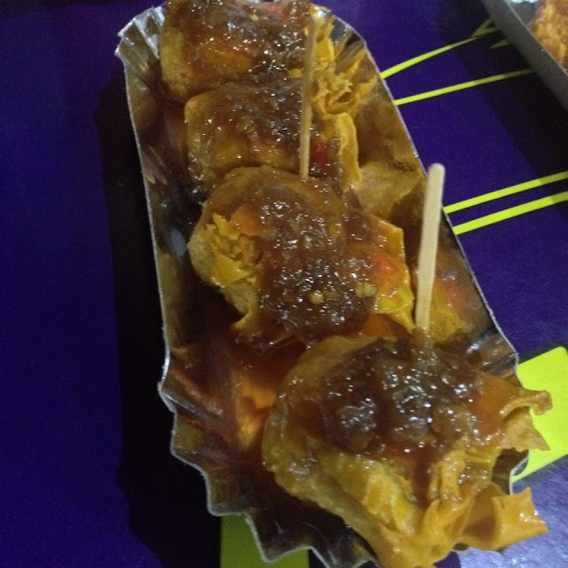 Deep fried Sharks fin variety with chili sauce at Siomai Madness