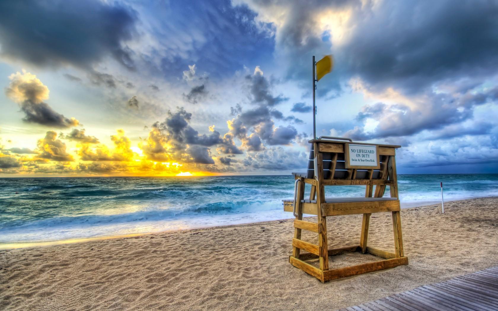 beach-lifeguard