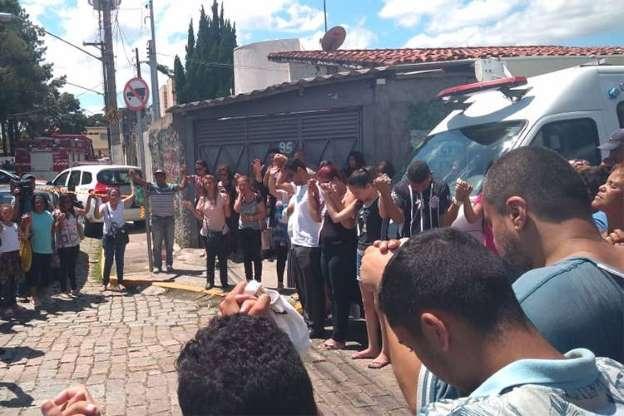 BBUJpfL - Veja fotos do massacre em Suzano