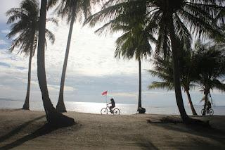 Bersepeda keliling Pulau Benan
