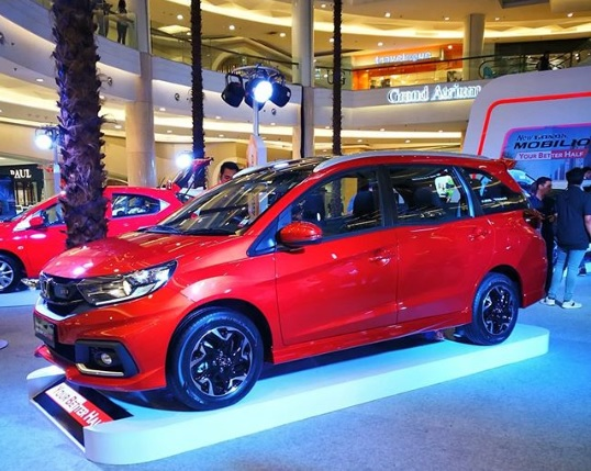 Debut Honda Mobilio