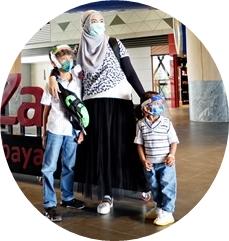 pemilik blog www.parentingbyrey.com