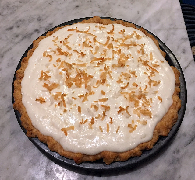 A Cake Bakes in Brooklyn: White Christmas Pie
