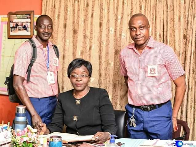 Photos: Members of old students association wear school uniforms to celebrate 30 years reunion in Lagos