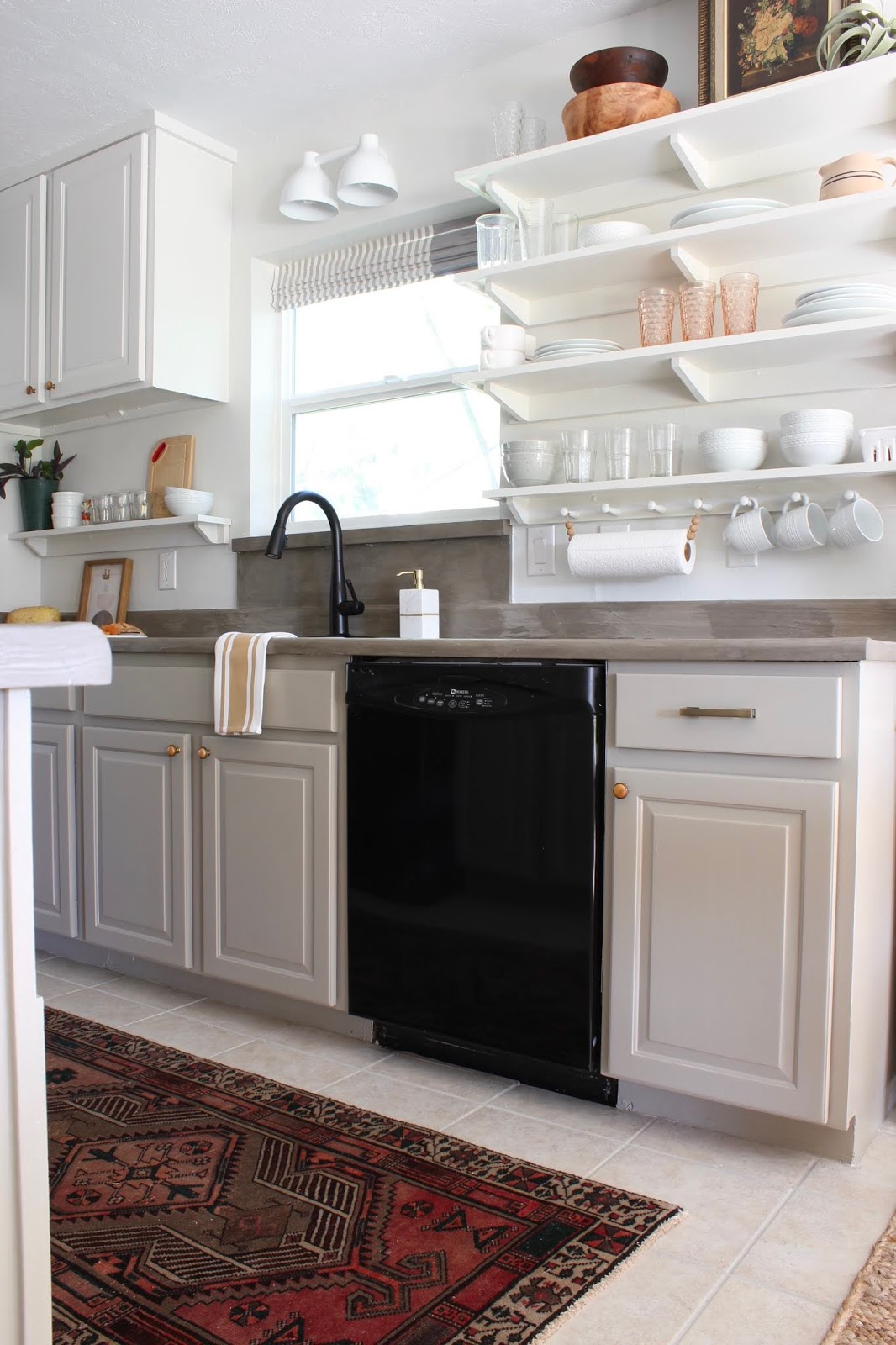 One room challenge budget kitchen makeover Behr garden wall cabinets| House Homemade