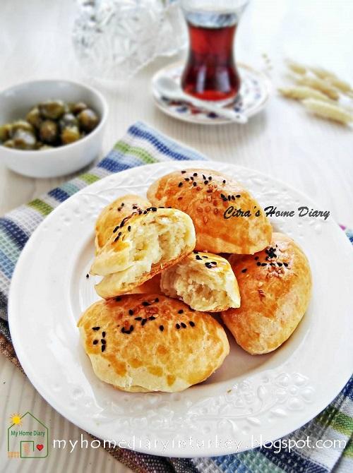 PEYNİRLİ POĞAÇA / TURKISH FOOD RECIPE; CHEESY BREAKFAST PASTRY /#resepmasakanturki   Çitra's Home Diary. #Pogačice #poğaça #turkishpastry #breakfast #brunch #lunchboxidea #turkishfoodrecipe #reseprotiturki #cheesypastry #shortbreadcheese
