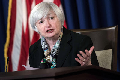 Conseguenze sugli investimenti sopo l'aumento dei tassi di interesse da parte della Federal Reserve, e della BCE.