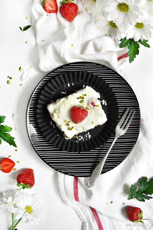 Erdbeertiramisu mit selbstgemachtem Löffelbiskuitteig
