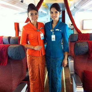 Model Baju Batik Polos untuk kerja
