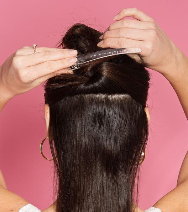 Mẹo nhỏ giúp tự uốn tóc xoăn sóng nước đẹp như ngoài tiệm