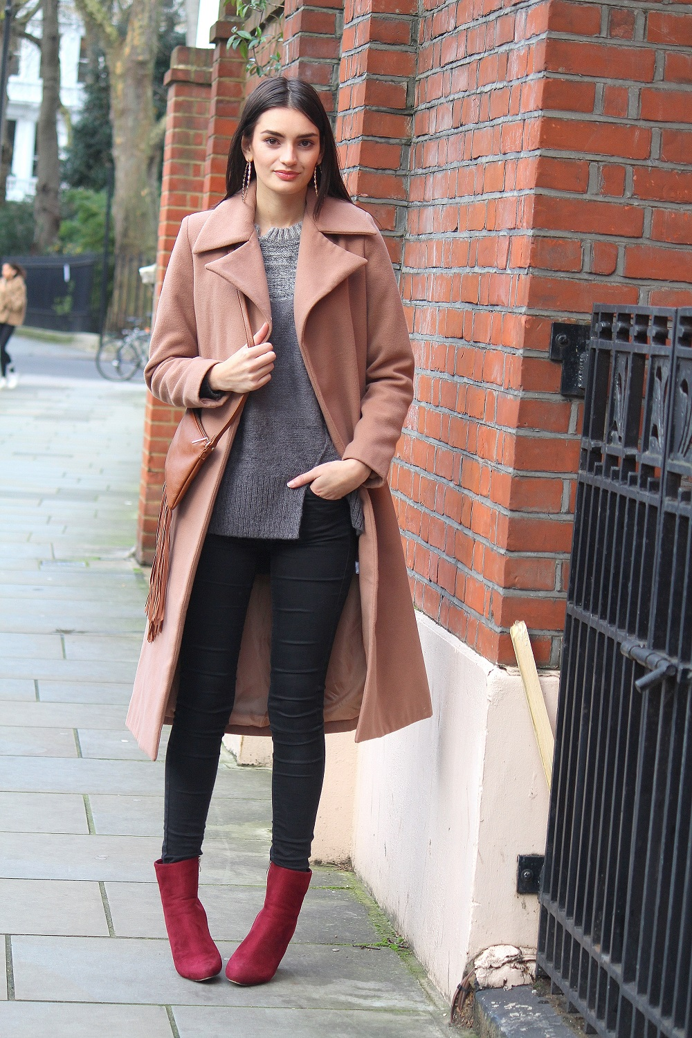 peexo fashion blogger wearing camel coat