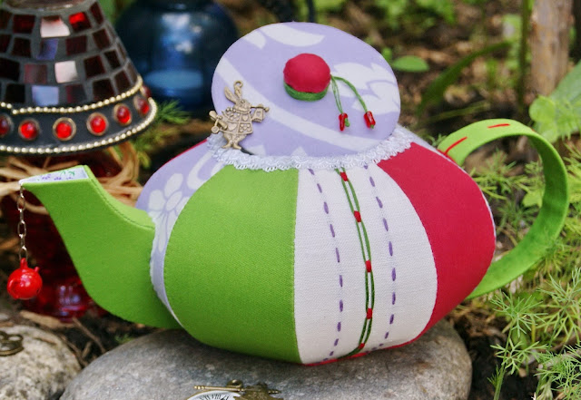 текстильный чайник, чайник из ткани, шкатулка текстильная, чайный домик, шкатулка для мелочей, кухонный декор, украшение на кухню, шкатулка в стиле Алиса в стране чудес