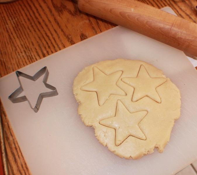pie crust cut into stars for a patriotic flag pie