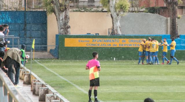 El Orihuela CF se impone por 2-1 al Espanyol B