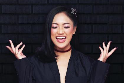 Marion Jola - Menangis Tanpa Air Mata Lyrics