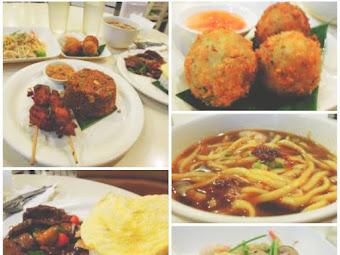 Dinner at My Singapore Food Street