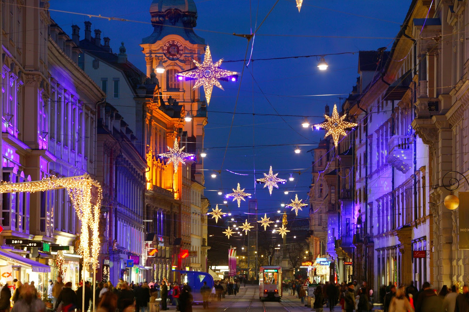 It's Christmastime in the enchanting city of Graz. Photo: © Graz Tourismus. Unauthorized use is prohibited.