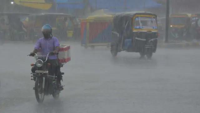 उत्तर प्रदेश मौसम अलर्ट: अगले 24 घंटों में इन जिलों में भारी बारिश के आसार