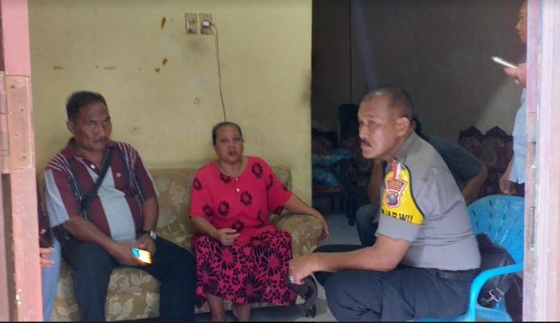 Kapolsek Medan Labuhan ikut sambangi rumah keluarga penikam Wiranto.