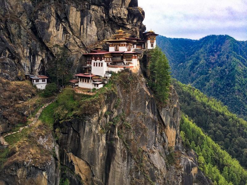 Metéora Monasteries Destinasi Travel Wisata Favorit Yunani 1