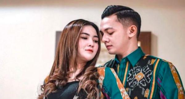 7 Penyanyi Dangdut Indonesia yang Dikira Muslim Ternyata Beragama Kristen