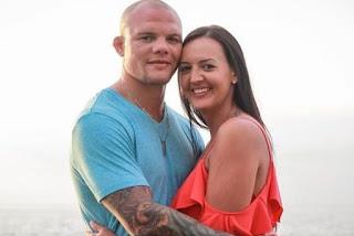 Anthony Smith With Wife Mikhala