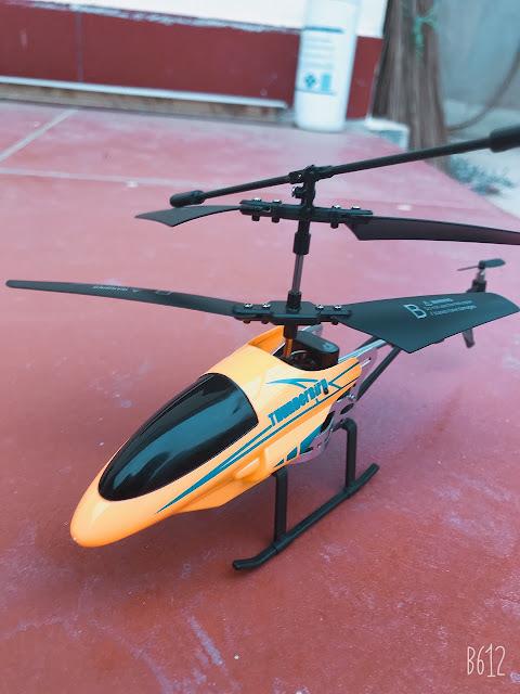 Máy bay điều khiển từ xa trực thăng4