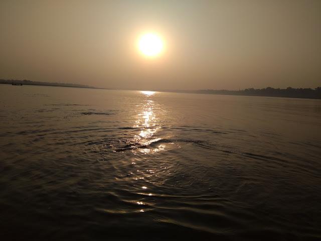 Sunrise_At_Ganga