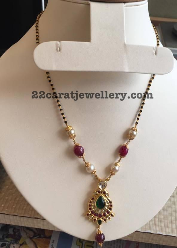 Simple Black Beads Sets Kundan Lockets Jewellery Designs