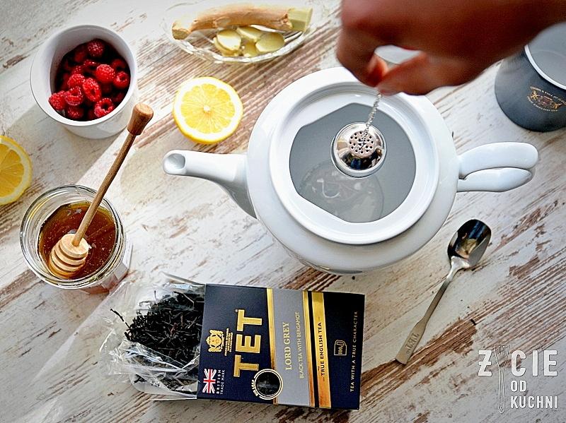 parzenie herbaty, zaparzacz do herbaty, herbata tet, tet tea, tet, true, english tea, czarna herbata, liściasta herbata, angielska herbata, kubek z herbata, picie herbaty, herbata z cytryną, konkurs z tet, podroz zycia, gory, zycie od kuchni