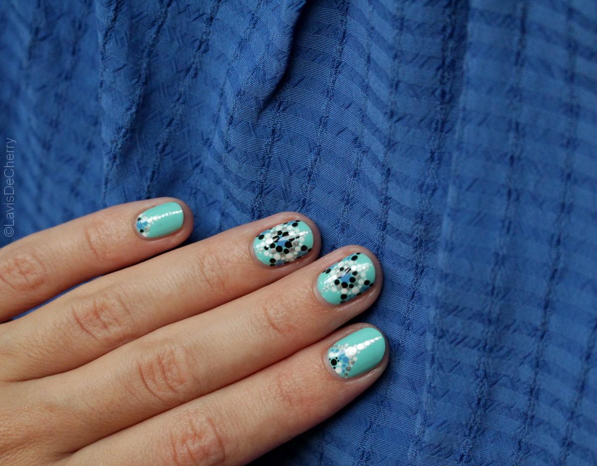 nail-art-points-facile-rapide-vernis-a-ongles-été-turquoise-lavisdecherry