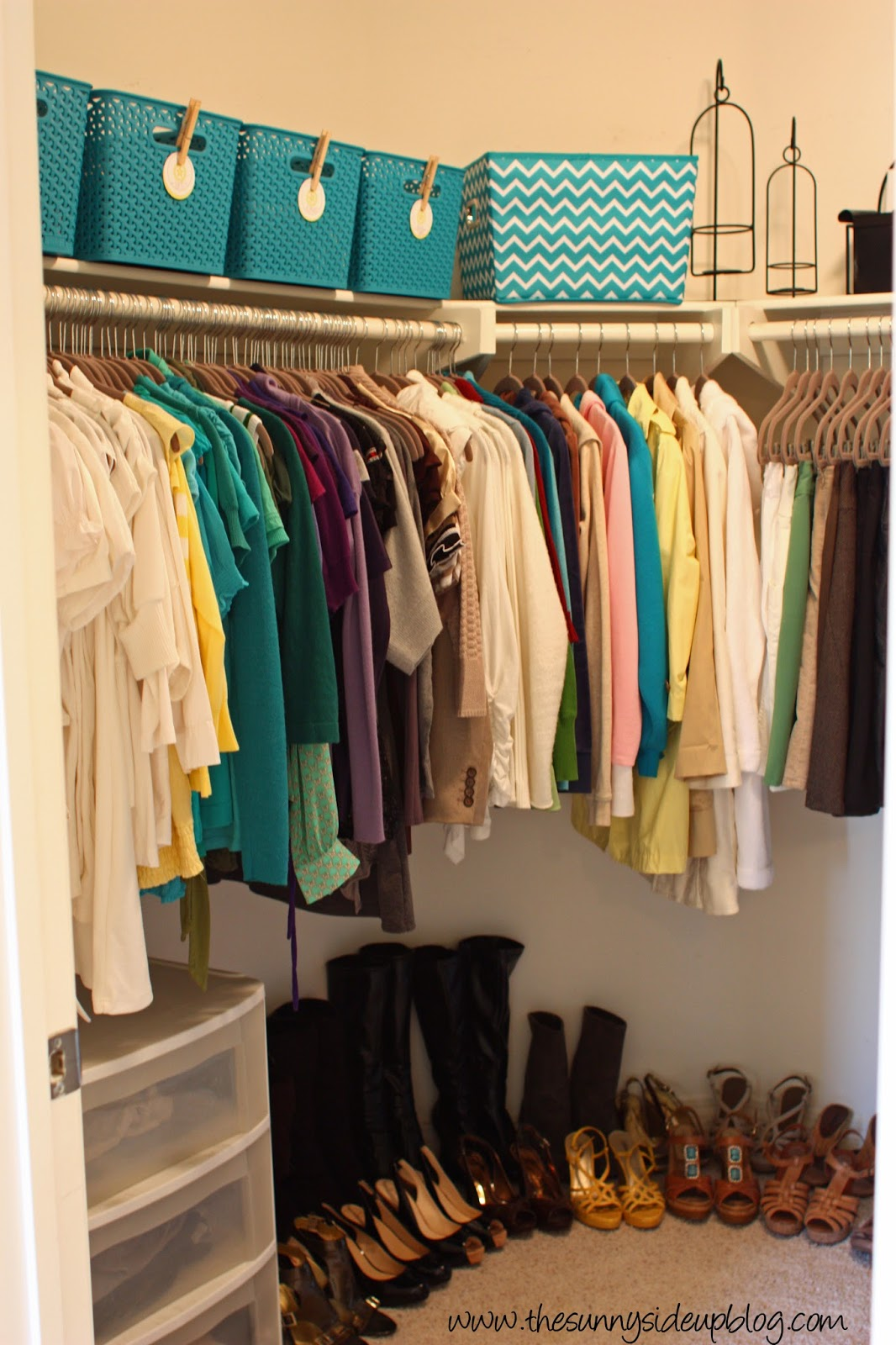 Organize A 6 Month Capsule Wardrobe For Fall And Winter: Back To School Organization