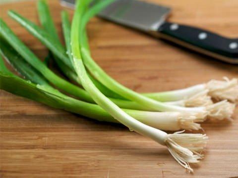البصل الأخضر يساعد في نزول الوزن وتقوية المناعة